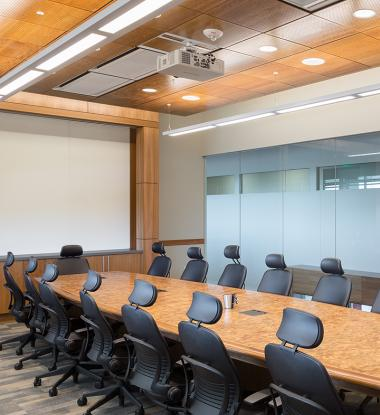 LINERO 8 Standard Distribution Large Conference Room